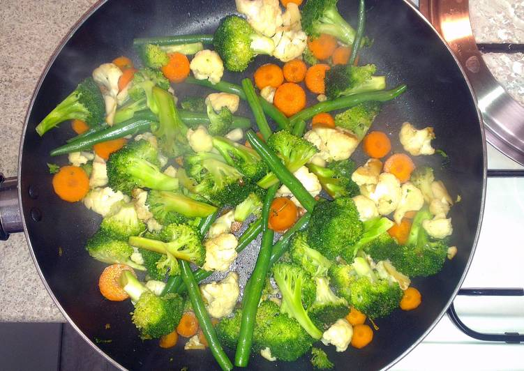Quick + Simple healthy Vegetarian Stirfry