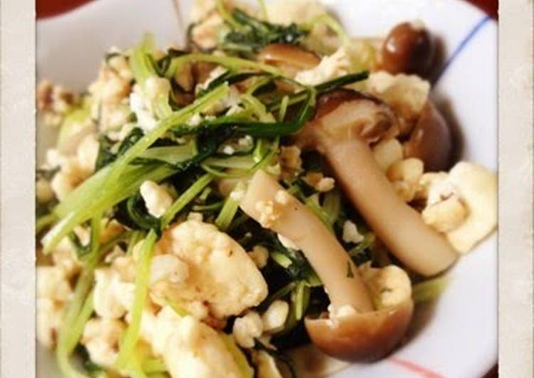 Simple Way to Prepare Homemade [Silken Tofu] Stir-Fried Mizuna Greens