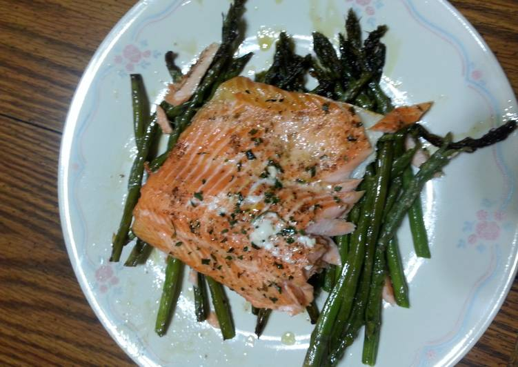 Recipe: Tasty Baked salmon with asparagus