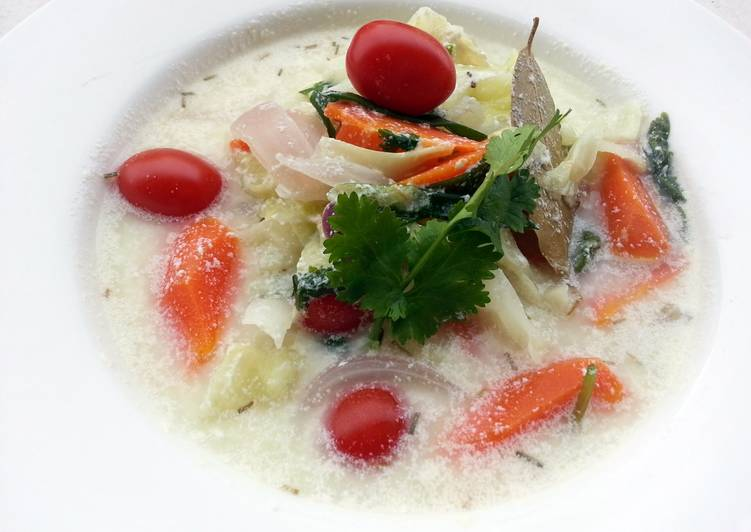 Cabbage Soup With Milk And Yogurt