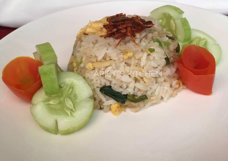 Resep Nasi Goreng dengan Bawang Putih Paling Enak