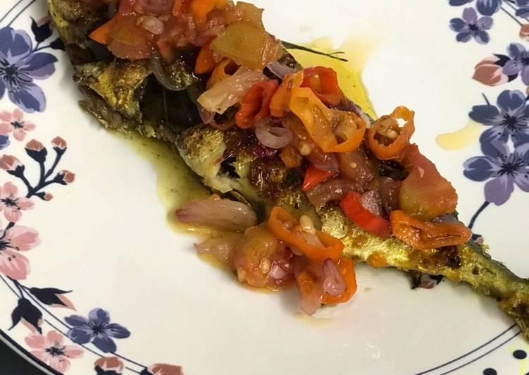 Ikan kembung bakar sambal dabu-dabu