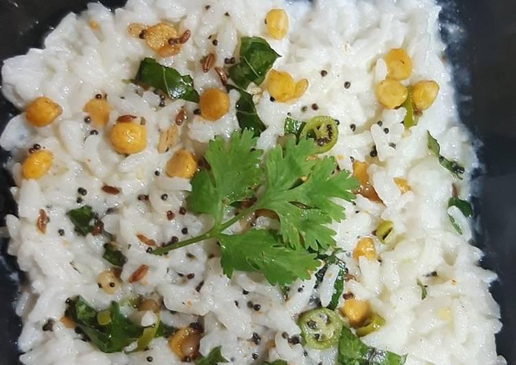 Easiest Way to Prepare Any-night-of-the-week કર્ડ રાઈસ (Curd Rice Recipe In Gujarati)
