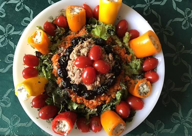 Salade multicolore au thon et légumes du soleil