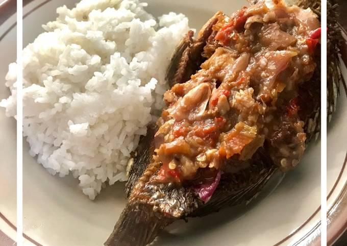 Ikan Goreng Sambal Cobek segerrr