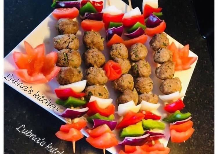 Kofta & Veg Skewers / Meatballs and Veg Skewers: