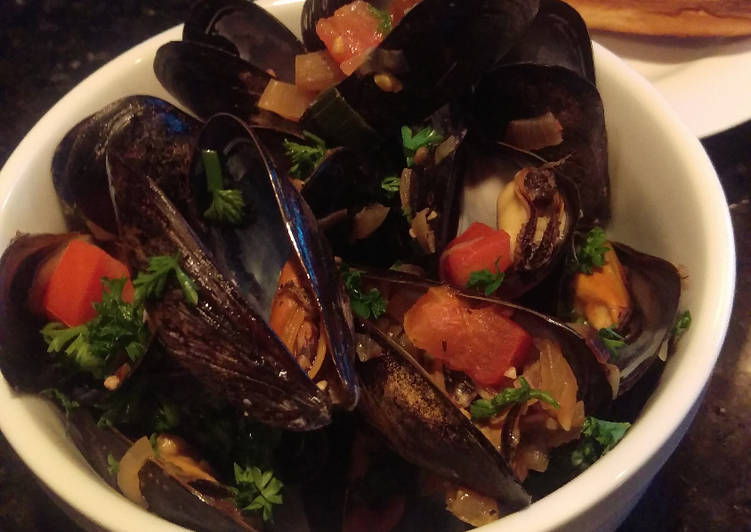 Recipe of Quick Steamed Mussels in White Wine