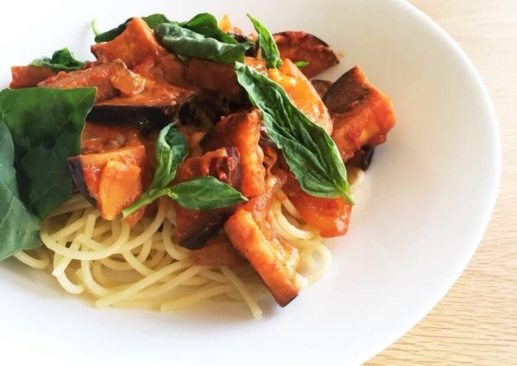 Recipe: Tasty Aubergine and ginger tomato pasta