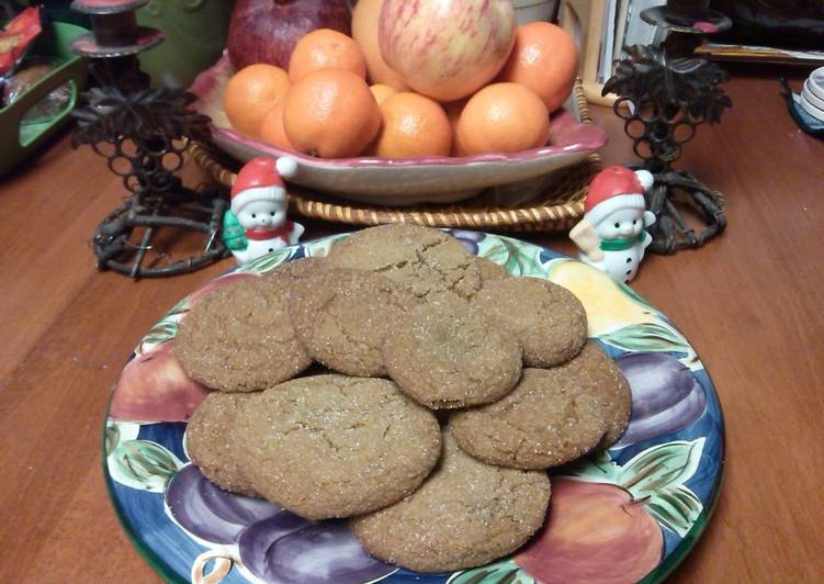 Molasses, Spice & Everything Nice Cookies