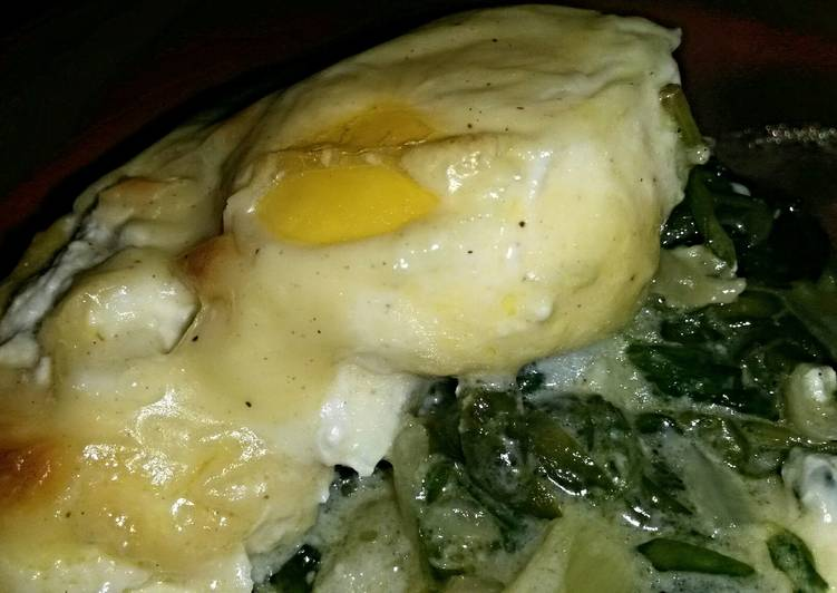 Recipe of Favorite Sig/ari poached eggs over spinach and Sauce Mornay.