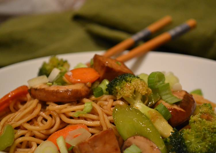 Vegetable Chow Mein - Stirfried Noodles