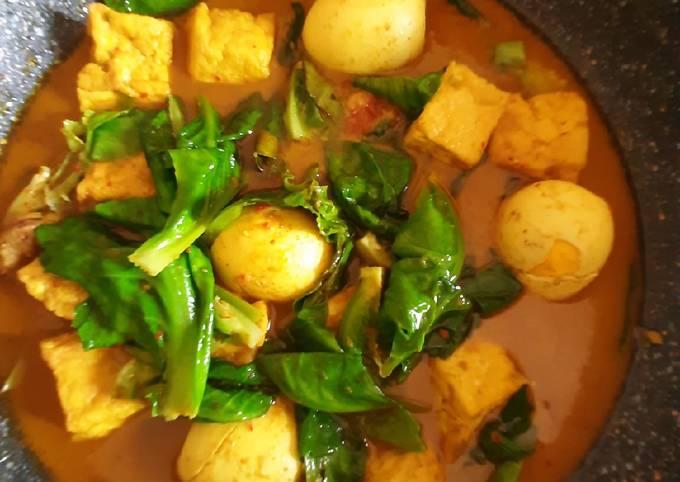 Gulai telur,tahu dan kubis ala rumahan