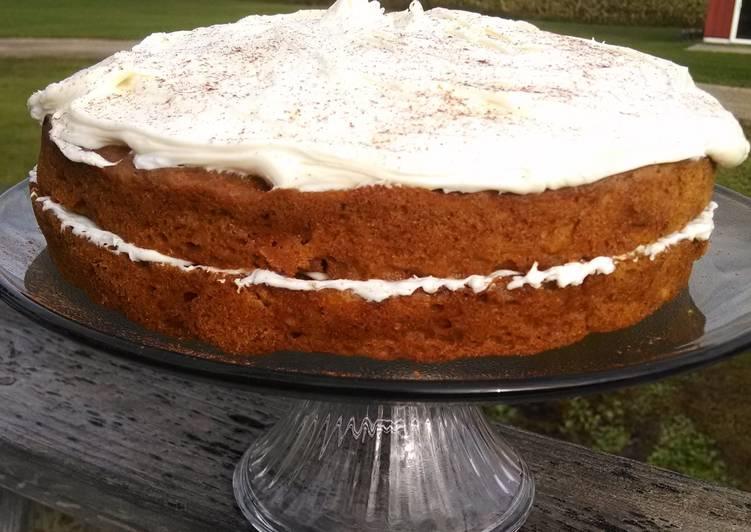 Apple pumpkin spice cake
