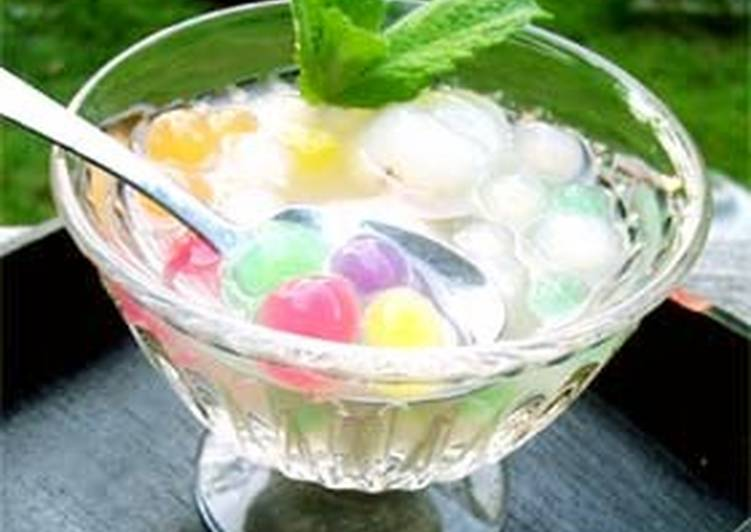 How to Prepare Perfect Seven-Colored Tapioca Pearls and Lychee Compote