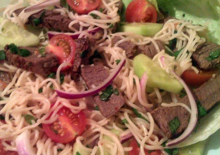 Vickys Hot & Sour Beef Salad, GF DF EF SF NF