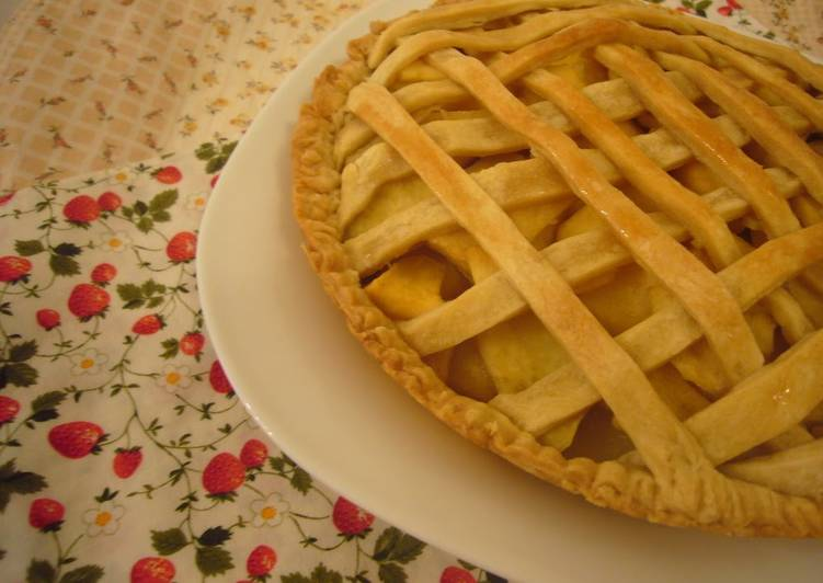 Egg- & Dairy-Free Sweet Potato and Apple Pie