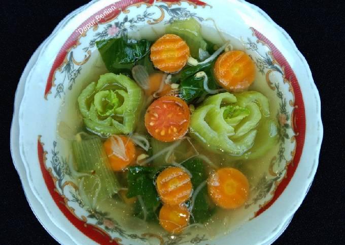 Sayur sup pokcoy sederhana