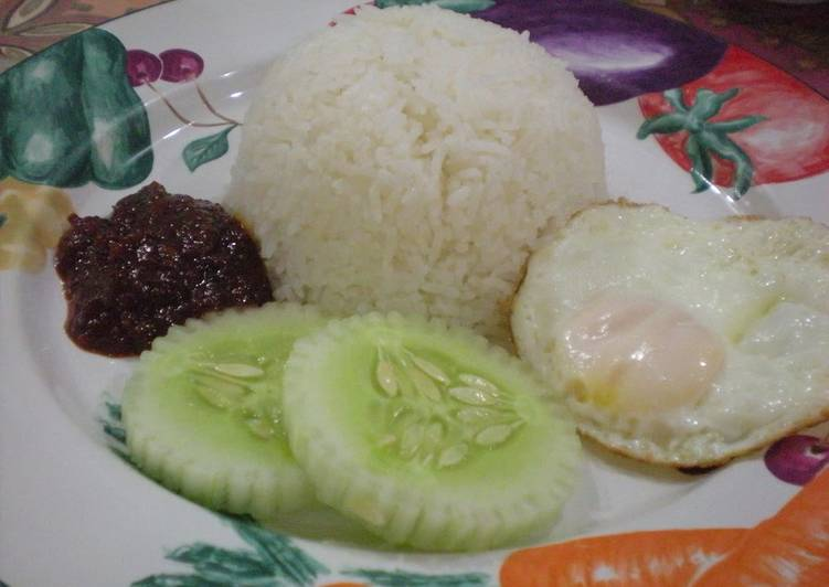 Easiest Way to Prepare Perfect Nasi Lemak (Rice Cooked in Coconut Milk)