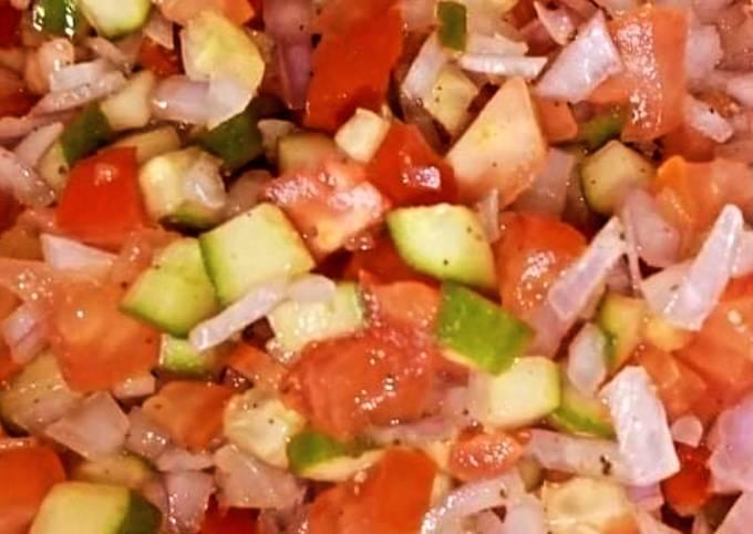 Lemon juice vegetable salad