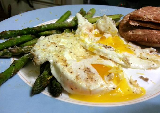 skye's sunshine eggs and asparagus... seriously, it's  amazing!