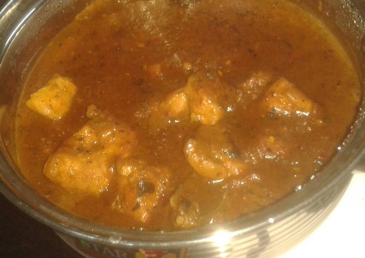 Grilled chicken in wine vinegar sauce