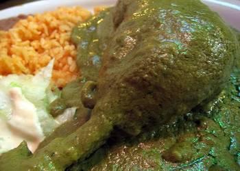 How to Prepare Yummy Mole verde
