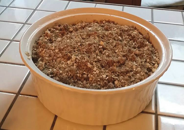Easy peasy apple crisp!