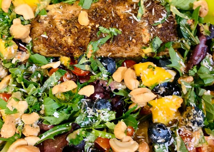 Recipe of Award-winning Jerk Mahimahi Salad with Ginger Chile Vinaigrette