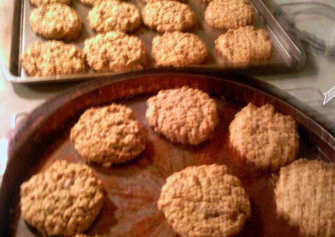 Secret to Baker Delicious Peanut butter oatmeal cookies
