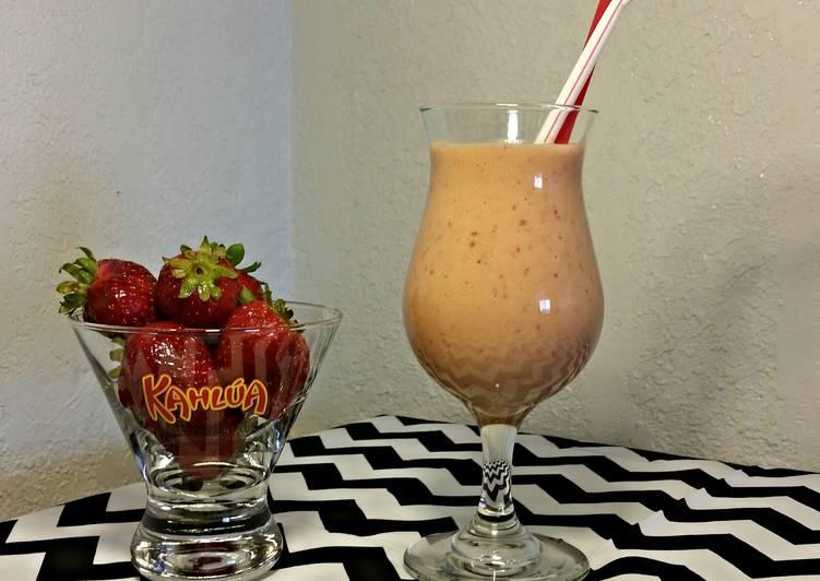 Summer Strawberry Smoothie