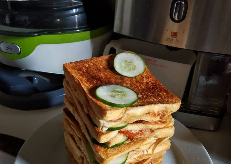 What is Dinner Easy Favorite Lockdown sandwich