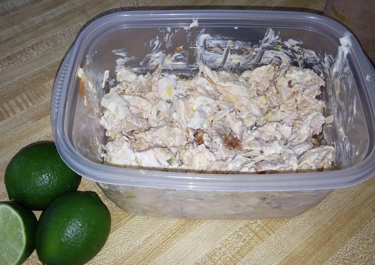 Siratcha Rotisserie-Style Chicken Salada