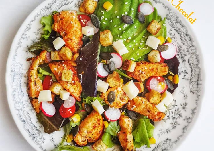 Salade poulet au paprika fume sauce légère