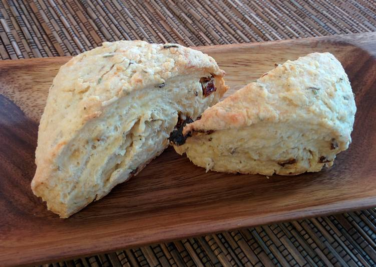 Savory scones with sun dried tomatoes