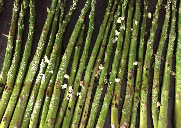 Balsamic And Garlic Roasted Asparagus
