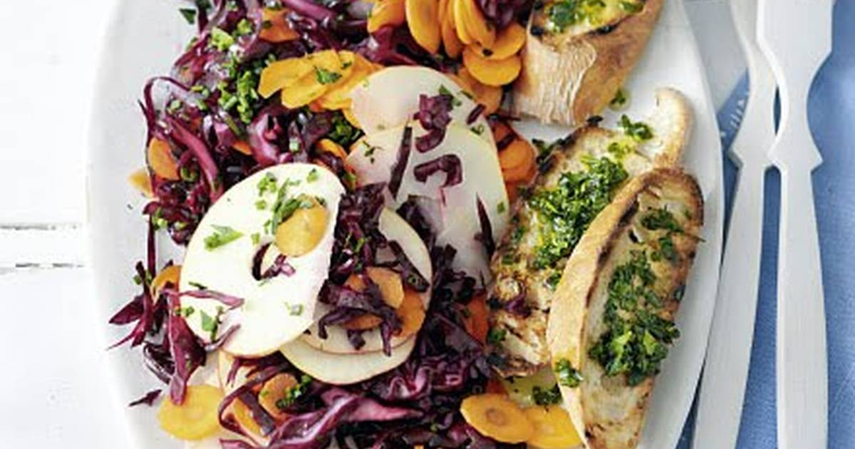 Raw Red Cabbage Salad (Vegan)