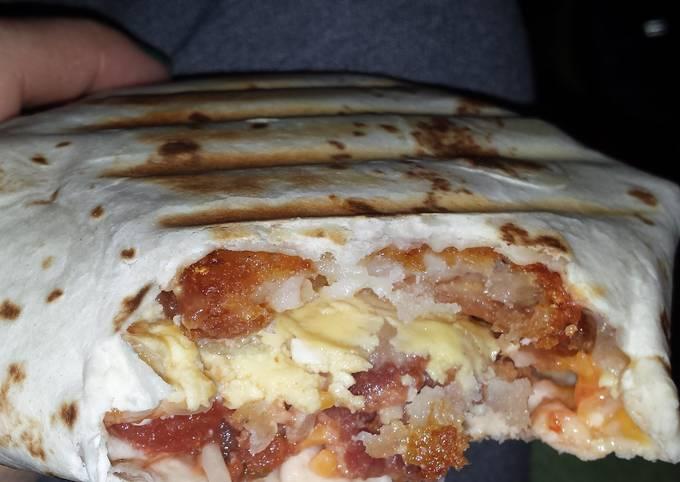 Breakfast crunchwrap