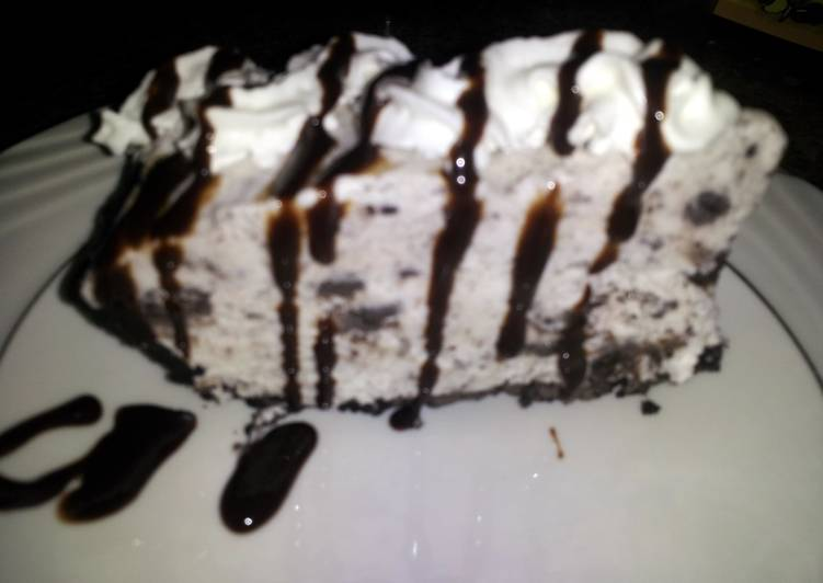 Oreo Cookie Ice Cream pie