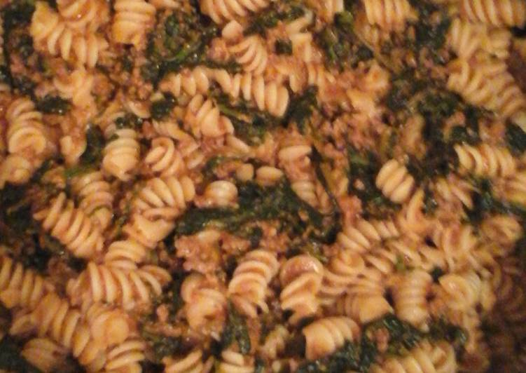 Minced beef and spinach pasta