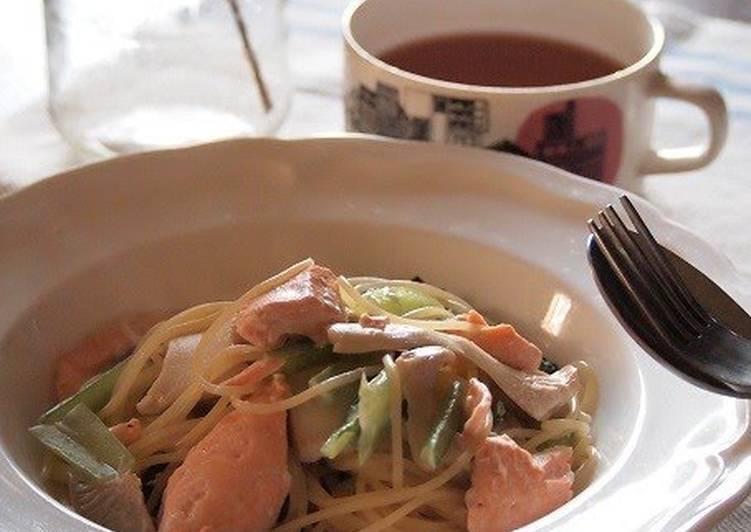 Salmon and Spinach Cream Pasta