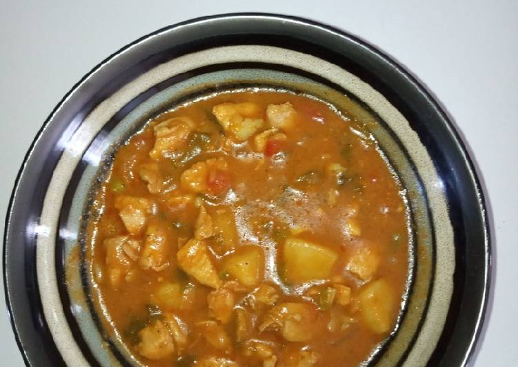 Boneless chicken and potato stew