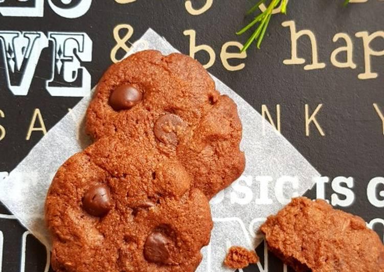 How to Prepare Yummy Triple Chocolate Cookies
