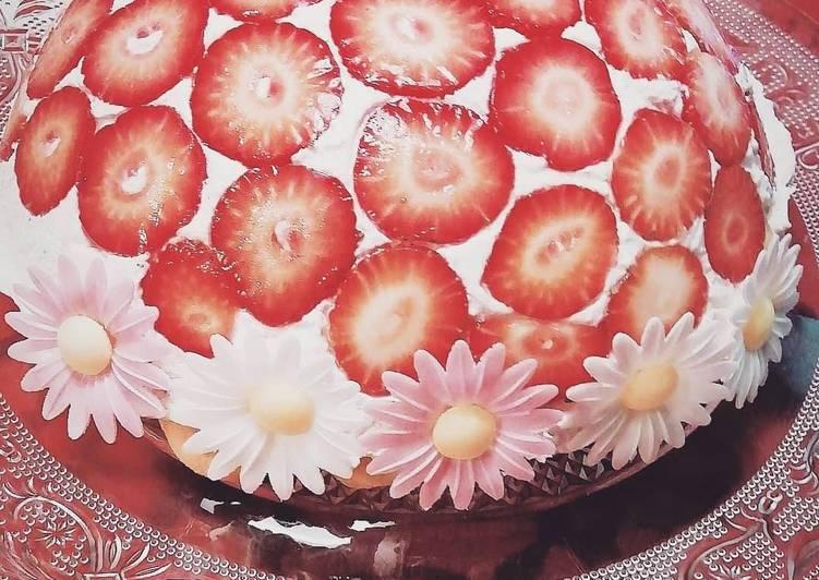Erdbeer-Kuppeltorte mit Quark & Mascarpone