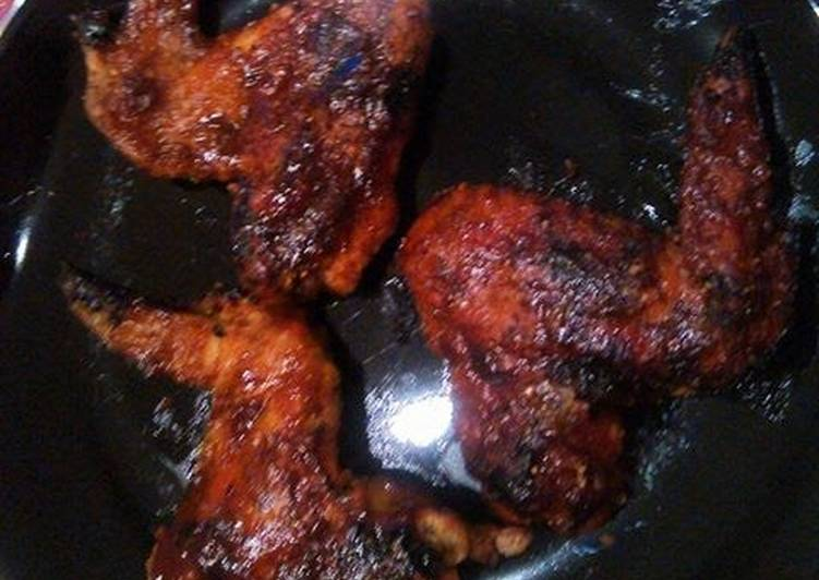 Sticky but crunchy honey, pineapple,BBQ wings.
