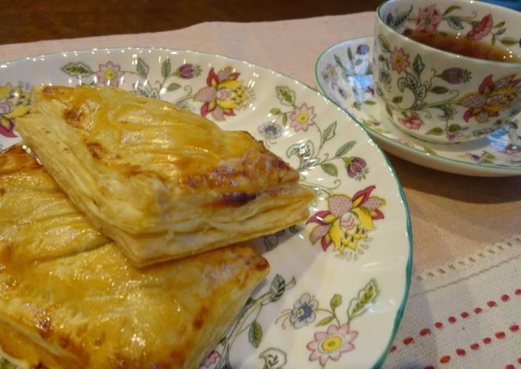 Recipe of Quick Custard Apple Pie using Frozen Puff Pastries