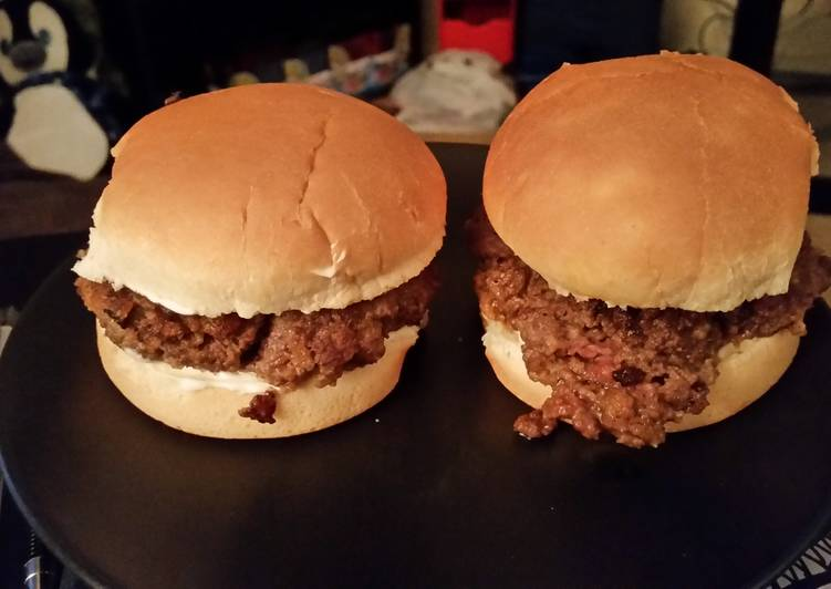 Steps to Make Super Quick Homemade Barbecue Burgers