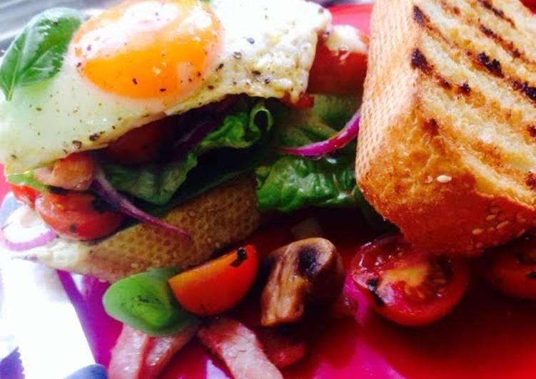 Open Bacon & Egg Sandwich 4-1