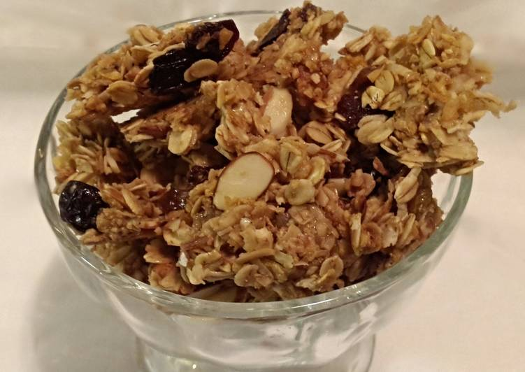 Toasted Crunchy Granola Clusters