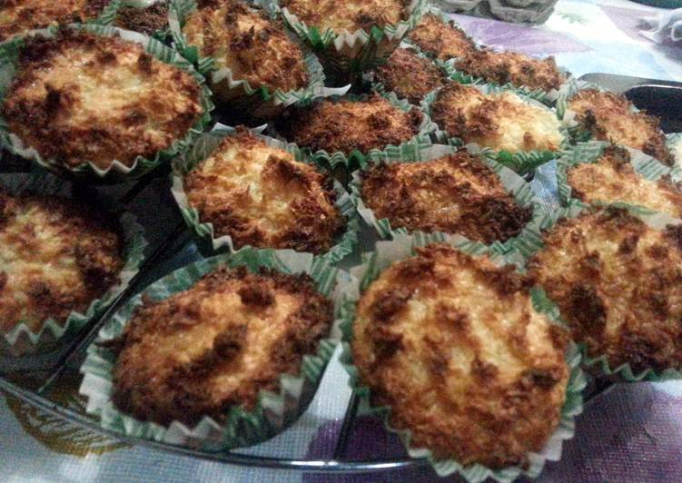 Simple Way to Prepare Perfect Coconut Macaroons