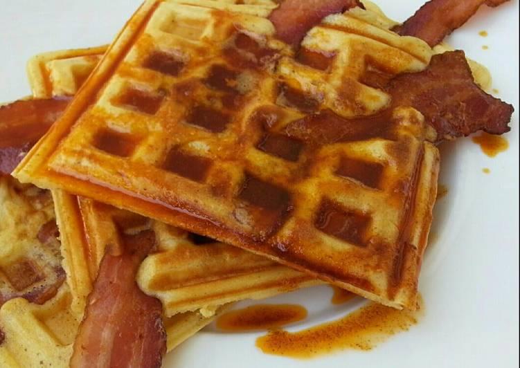 Bacon in cinnamon waffle